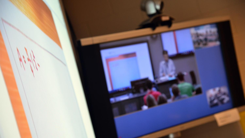 Desktop set up to view an Engineering Online class